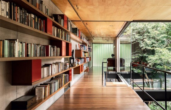 wood-house-design-with-library-in-sao-paulo