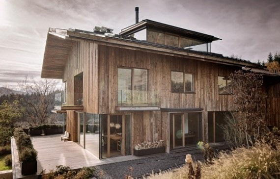 wood-house-with-nature-surrounding