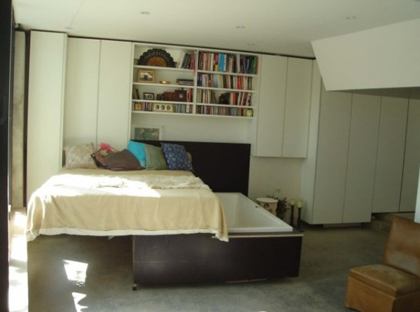 Ordinaire Tub Bedrooms Is An Initiative To Save Space As Of Peckham House. There Is A  Hidden Tub To Soak In The Bottom Of The Bed, We Think The Design Is Very  Unique, ...