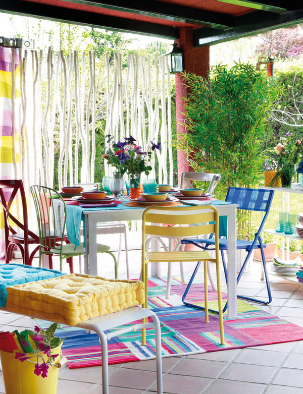 Patio gardens with colorful space home design and interior for Colorful backyard ideas