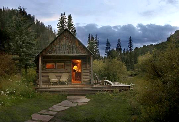Cabin is the best vacation place to live, if you want to escape and go  search for peace then you must see this small cabin ideas.