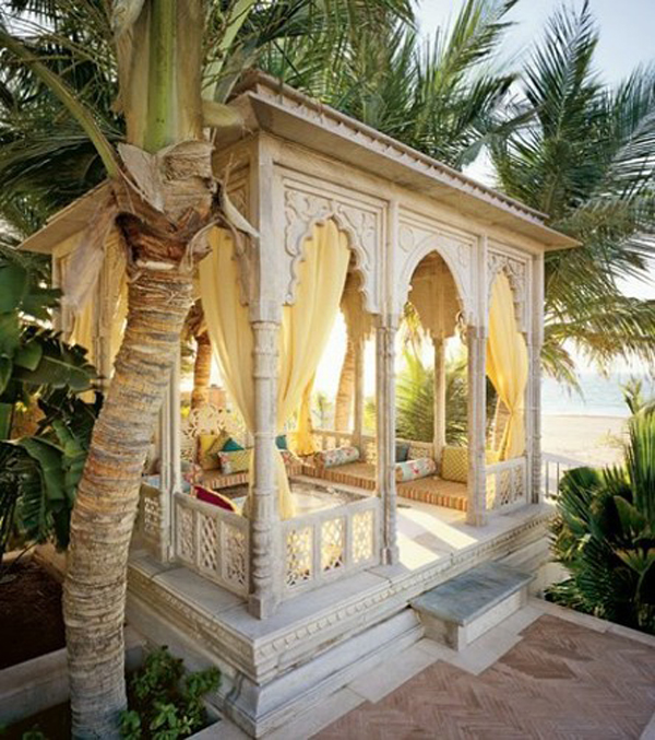 20 moroccan style house with outdoor spaces home design for Moroccan house design