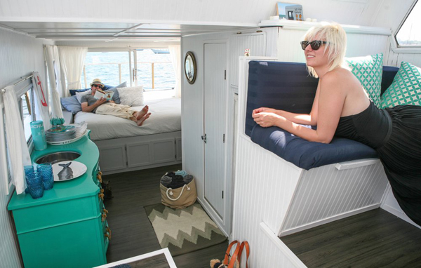 Small Houseboat Decorating