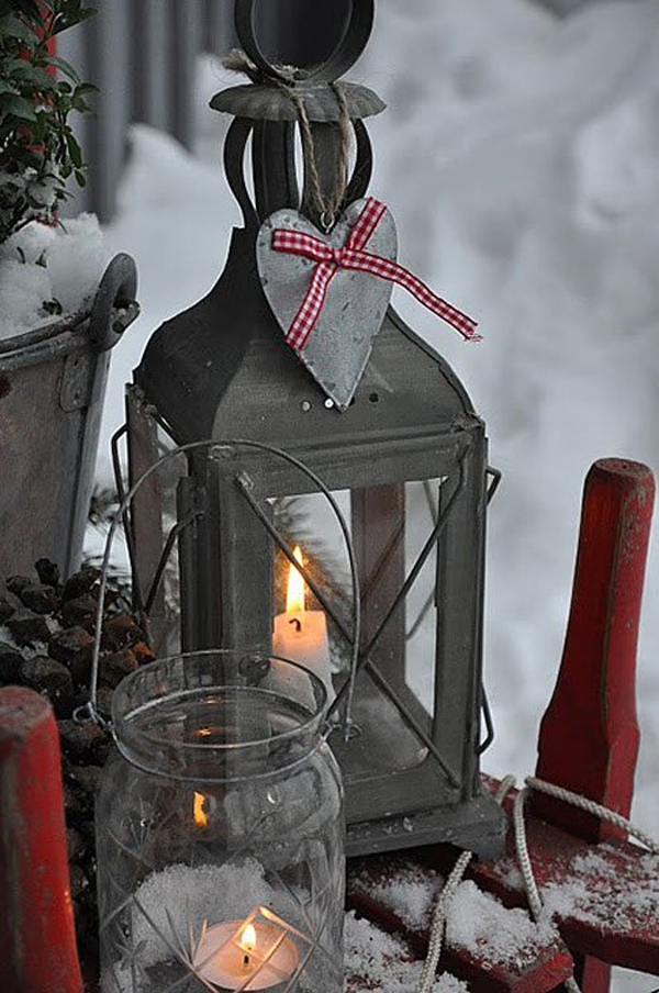 Scandinavian christmas outdoor lighting for Outdoor christmas lantern decorations