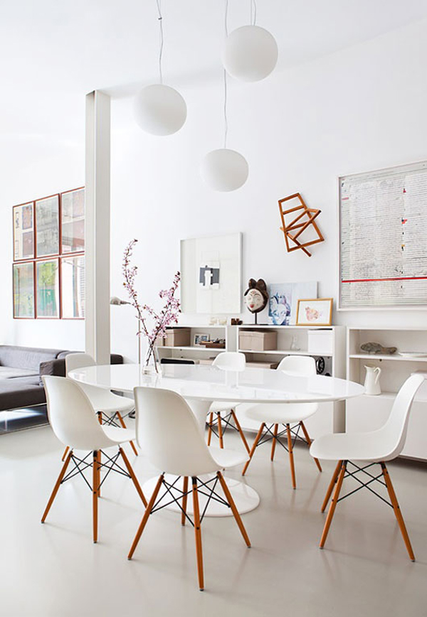 White dining room - Table ronde avec chaises ...