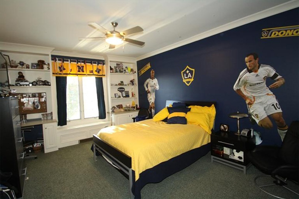 kids soccer bedroom decor