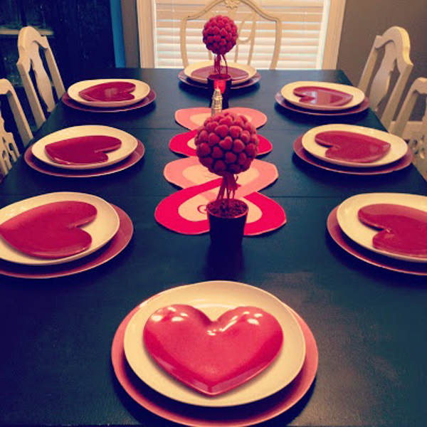 25 Romantic Valentine's Day Table Setting Ideas | HomeMydesign