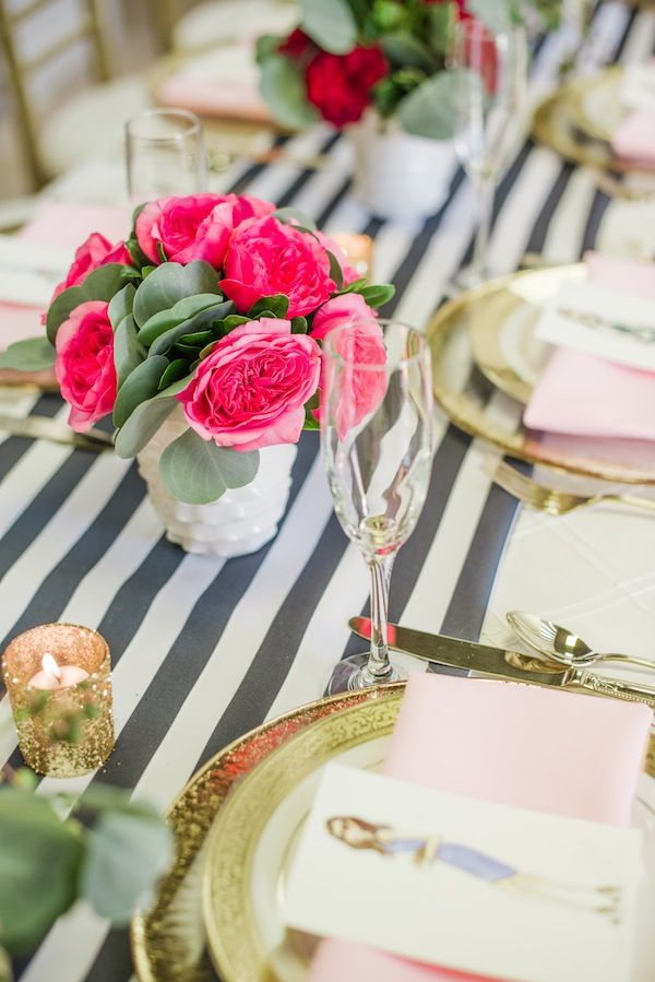 Gallery of 25 Romantic Valentine's Day Table Setting Ideas