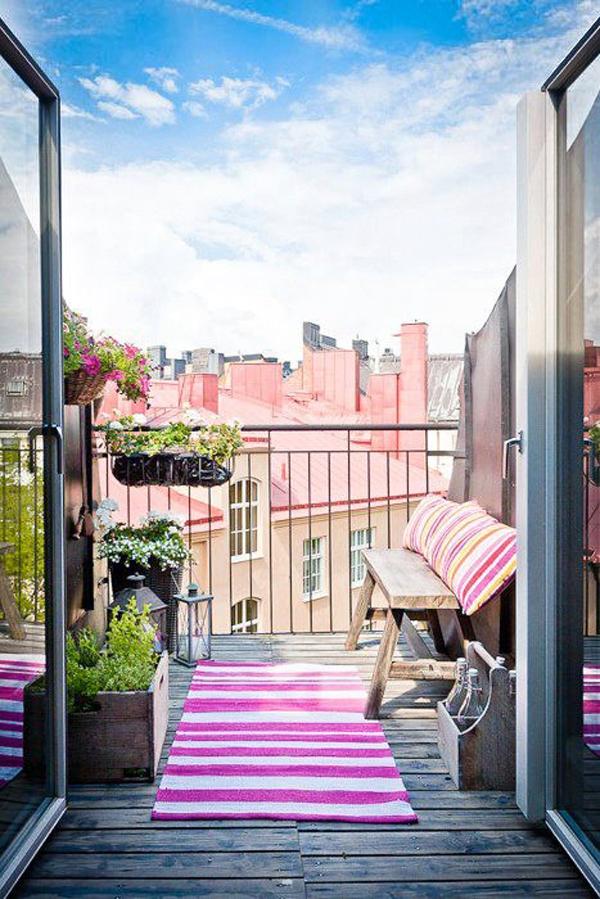 35 small balcony gardens home design and interior for Apartment veranda design