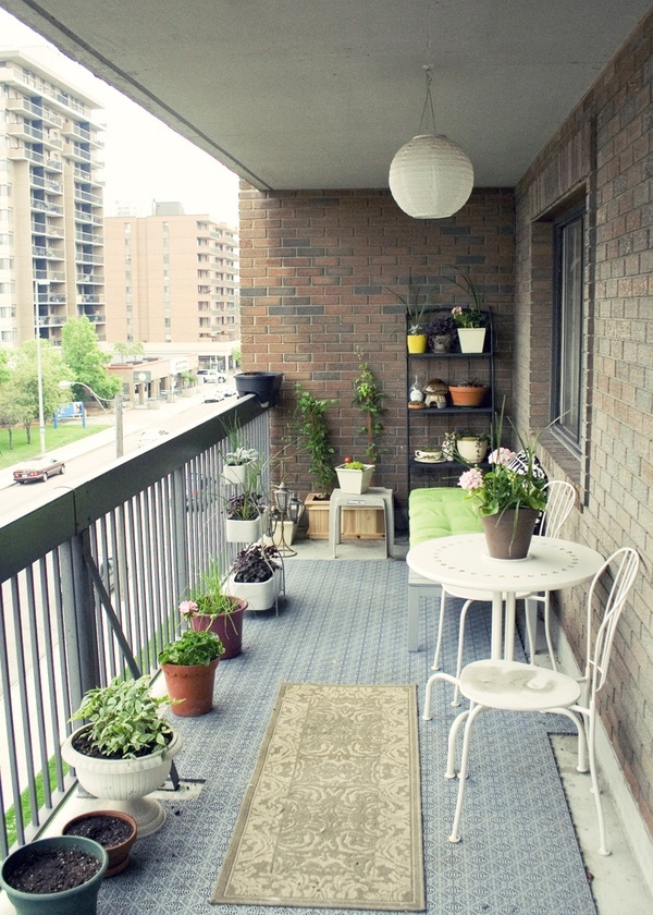 Small balcony decorations for Apartment design with terrace