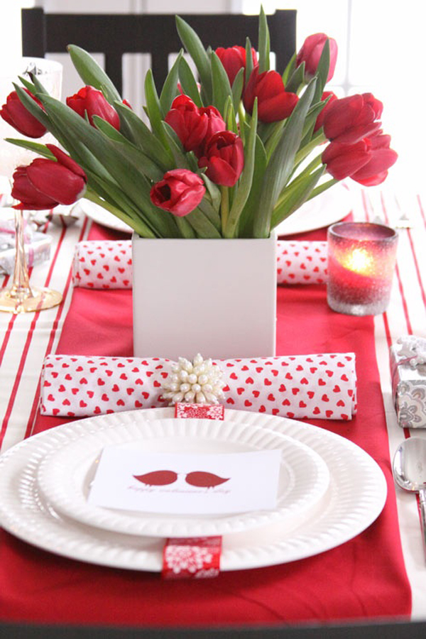 Prepare an intimate dinner or a dinner party on Valentineu0027s day we see a romantic and stylish table settings to embellish today.  sc 1 st  Homemydesign.com & 25 Romantic Valentineu0027s Day Table Setting Ideas | Home Design And ...