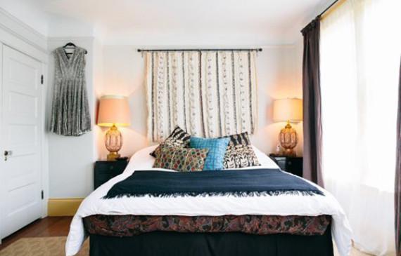 bedroom-center-wall-hangings