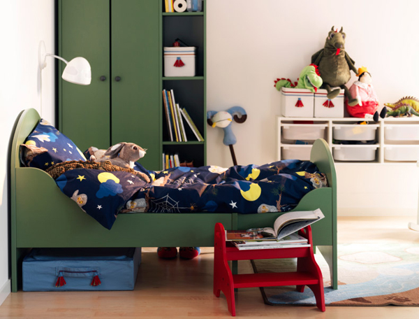 IKEA-children-room-with-storage-book
