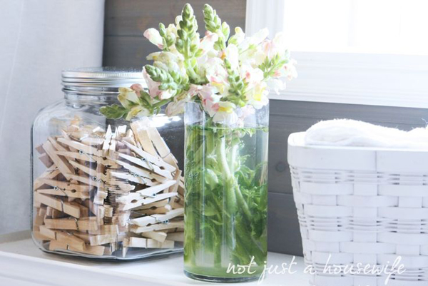 clothespins-laundry-room-decor-ideas