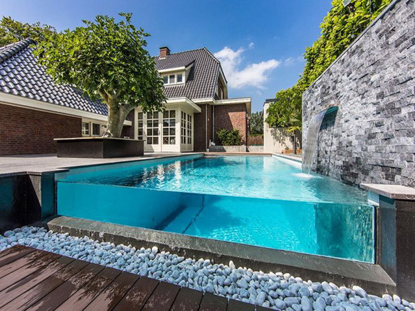 Amazing glass pool walls home design and interior - Crystal clear pools ...
