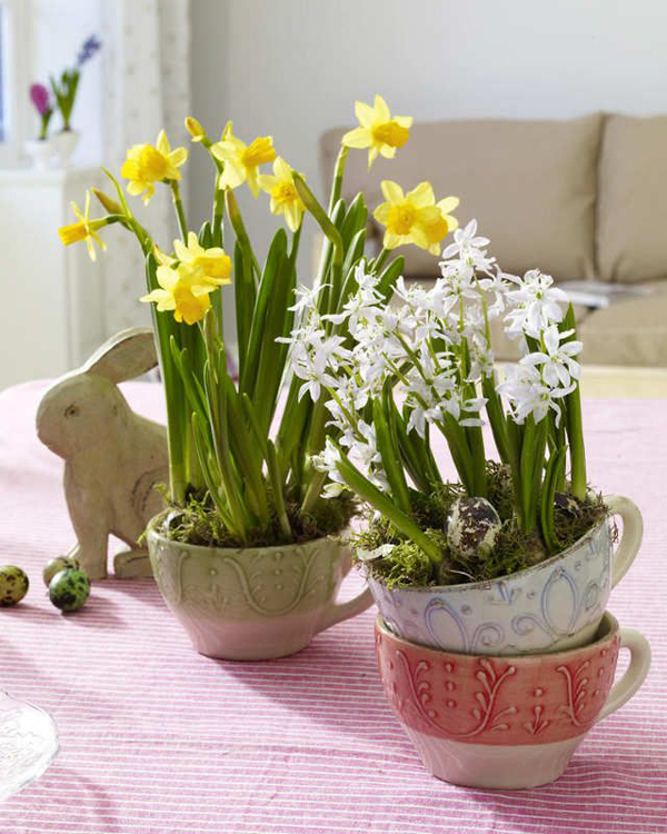 Vintage easter decor with flower - Flowers for home decor photos ...
