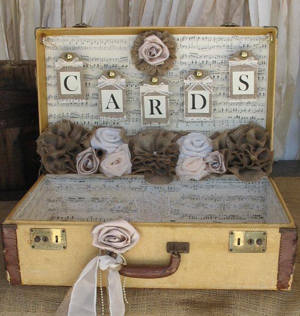 vintage-suitcase-wedding-card