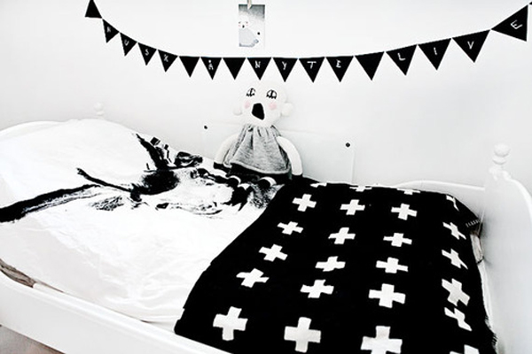 Black and white kids bed for Black and white kids room