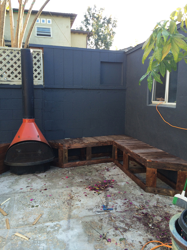 Diy outdoor patio seating with stovepipe fireplace home Diy outdoor furniture