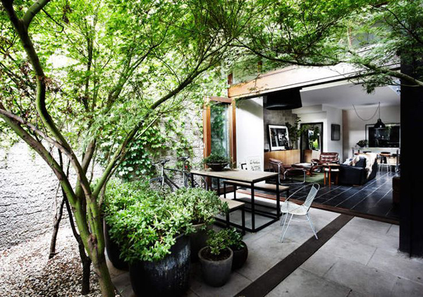 20 Beautiful Indoor Courtyard Gardens | Home Design And ...