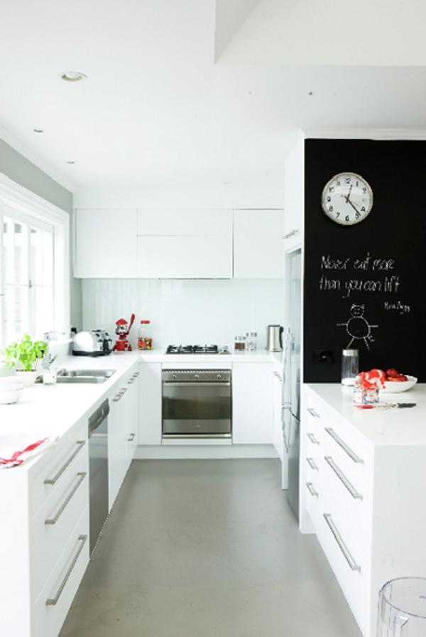 kids-kitchen-wall-chalkboards
