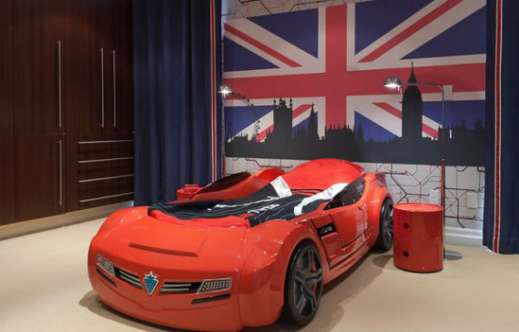 red-racing-car-shaped-bed-for-boys