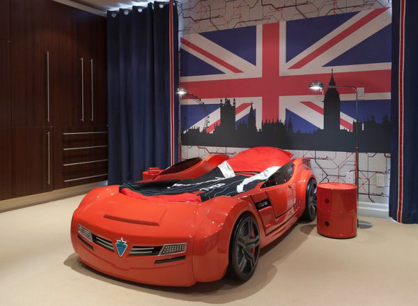 Red racing car shaped bed for boys for Boy car bedroom ideas