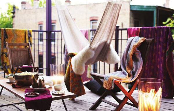 Romantic boho balcony ideas for Hammock for apartment balcony