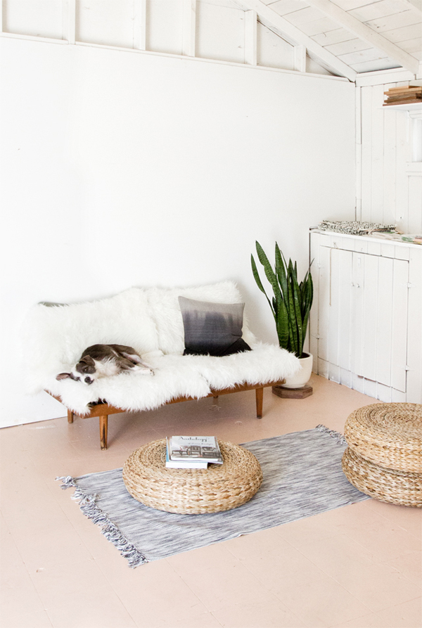 Simple Home Office With Beautiful Plants Home Design And