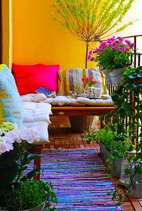 Small boho balcony design for Cute apartment balcony ideas