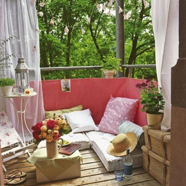 Small boho chic balcony decor for Cute apartment balcony ideas