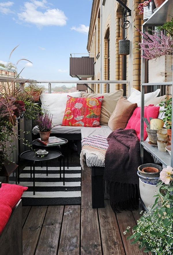 Cute Apartment Balcony: Small-boho-chic-balcony-garden