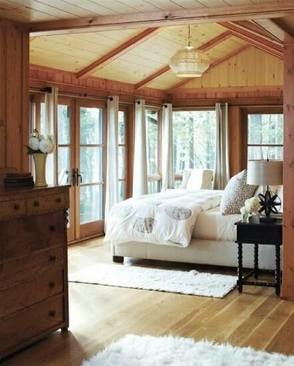 Cozy bedroom with wooden floor for Cozy canadian cottage