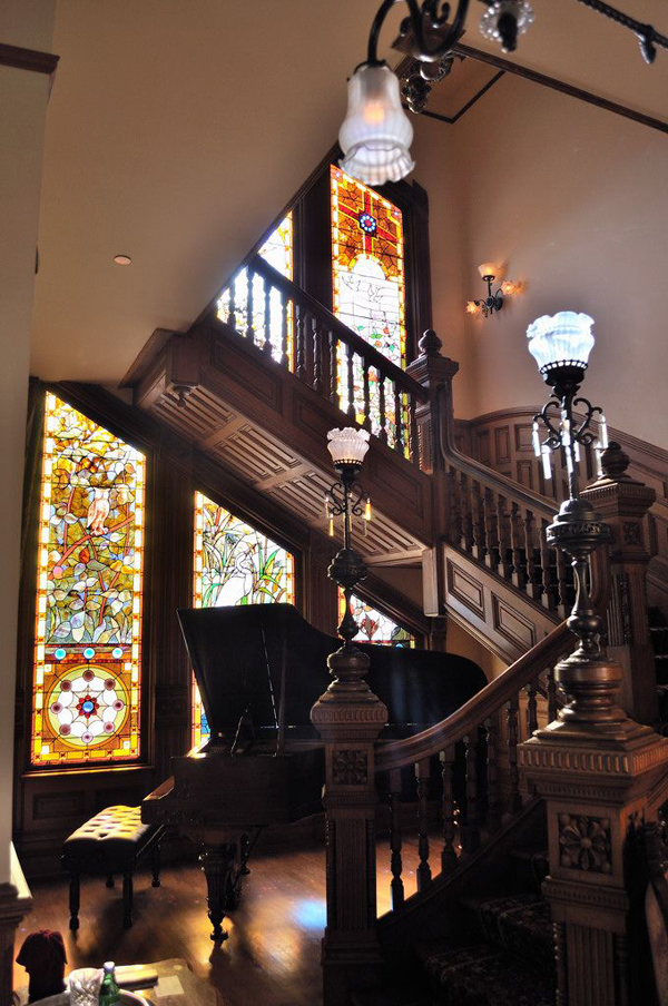 Gothic staircase decor for Victorian house interior designs
