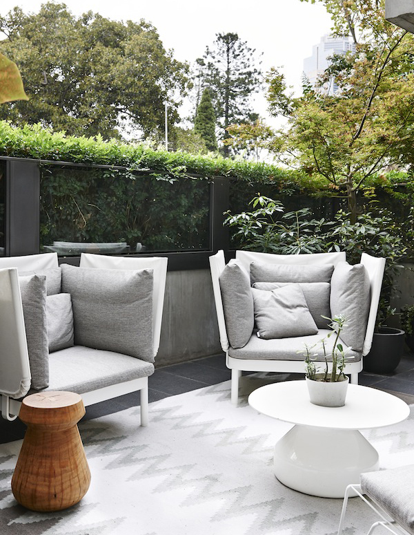 Contemporary melbourne apartments eddie kaul and richa for Outdoor furniture melbourne