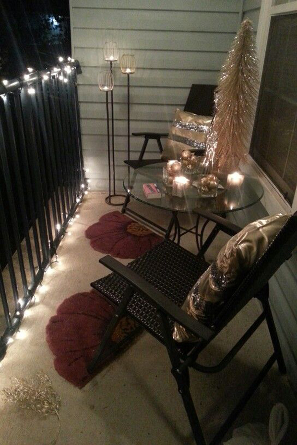 http://homemydesign.com/wp-content/uploads/2014/06/small-balcony-christmas-lights.jpg