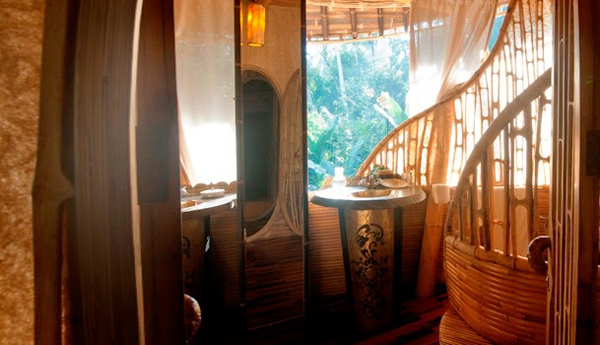bamboo tree house bathroom