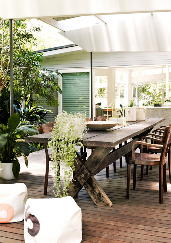 Beach Side House Outdoor Dining Area