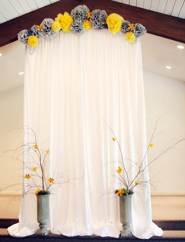 30 romantic alternative wedding backdrops home design for Backdrop decoration for church
