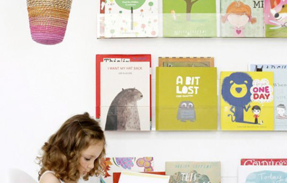 little-girl-book-displays