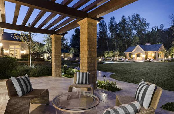 Luxury Patio Garden