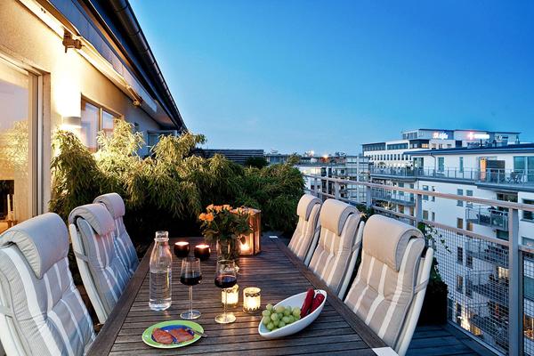 Romantic dining balcony design for Restaurants with balcony