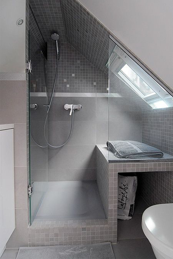 35 functional attic bathroom ideas home design and interior for Salle de bain 5m2 baignoire