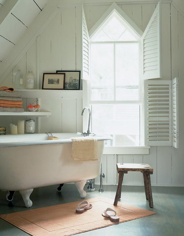 Vintage Attic Bathroom Decoration