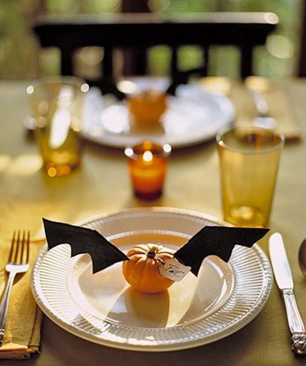 30 dramatic halloween table decor ideas home design and interior - Halloween Table Ideas