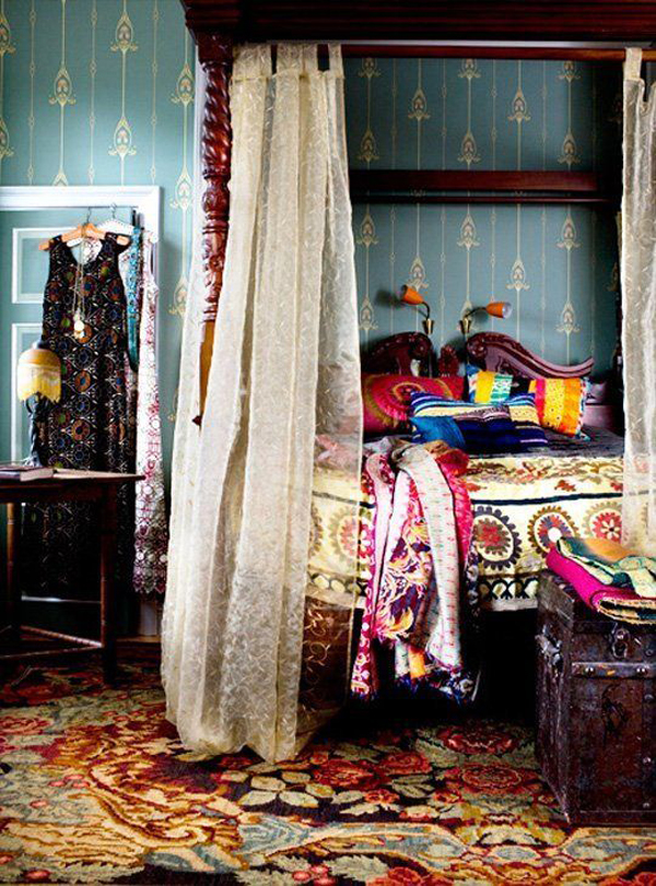 Colorful gypsy bedroom interior design for Gypsy designs interior decorating