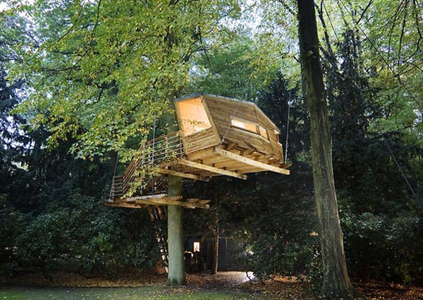 Cool treehouse designs for Modern tree house designs