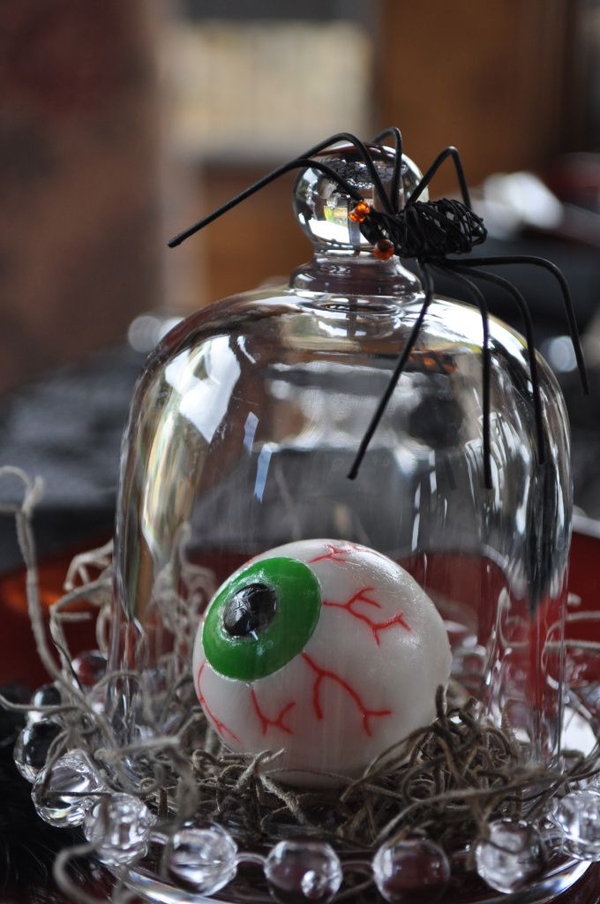 30 dramatic halloween table decor ideas home design and for Halloween table centerpiece ideas