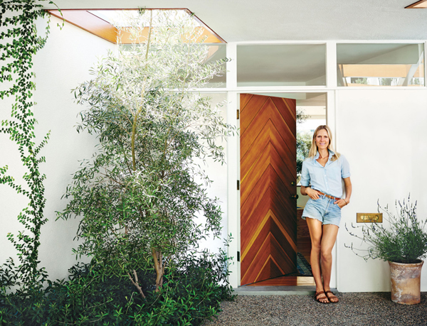 Beautiful Mid-Century House By Jessica De Ruiter | Home Design And ...