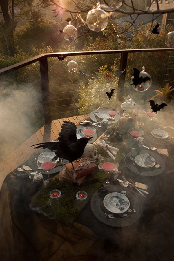 gallery of 25 cool and scary halloween decorations - Outdoor Halloween Party